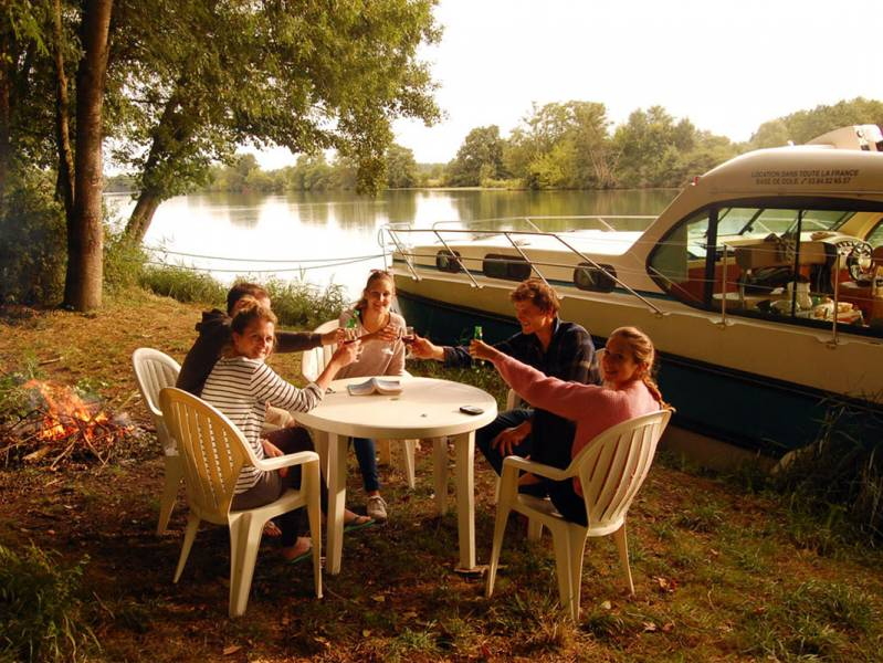 One week : Enjoy peaceful nature : Cruising one-way on the Petite Saône - from 959 euros
