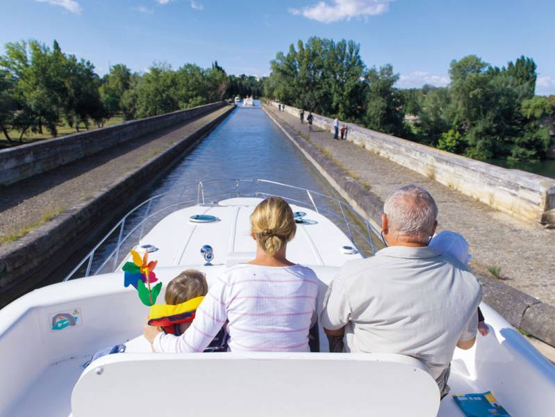 One week : Canal boat rental on the Canal du Midi - from 683 euros