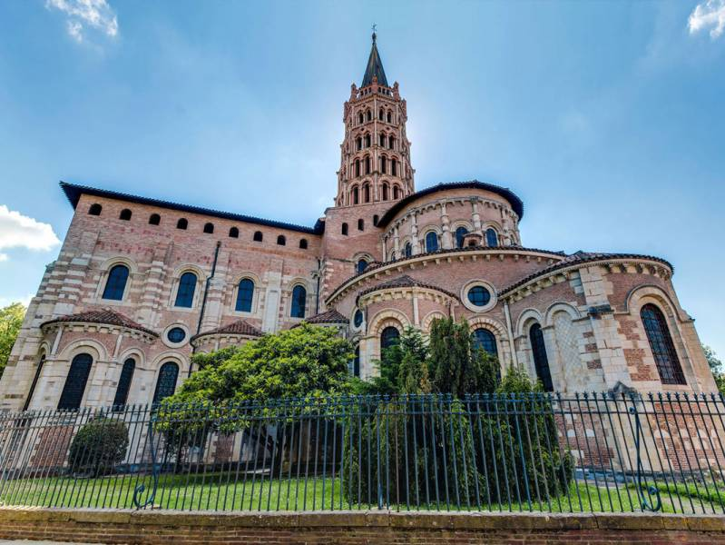 Short break : Visit the 'pink city' of Toulouse - à partir de  euros