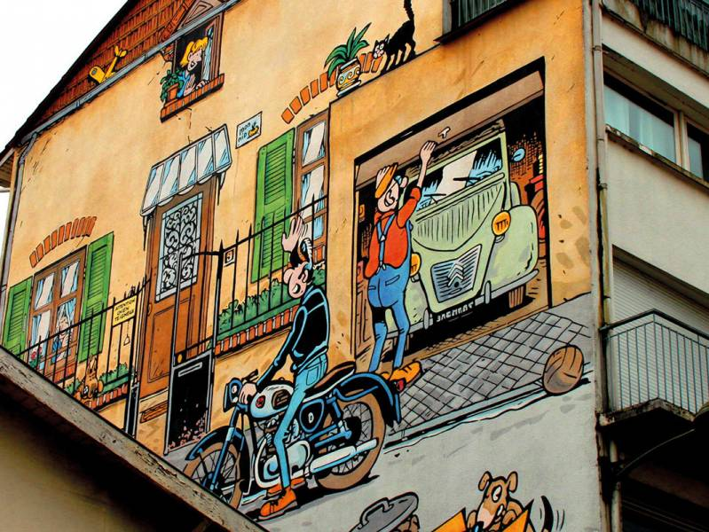 Weekend 2 days : Cruise to the comic's trip capital, Discover Angoulême by boat - from 349 euros