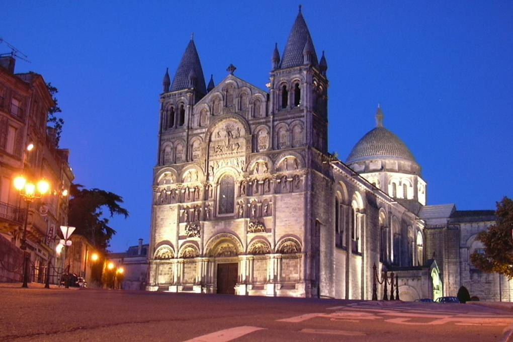 03-angouleme-cathedrale