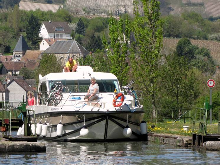 One week : Historical cruise  in the Loire valley - from 1256 euros