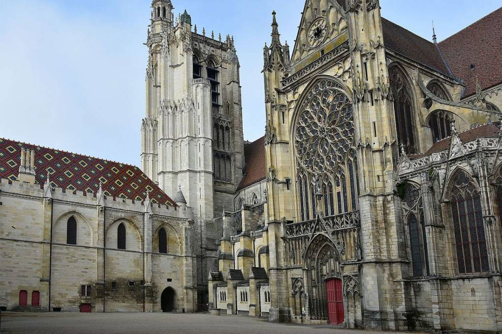 05-sens-cathedrale
