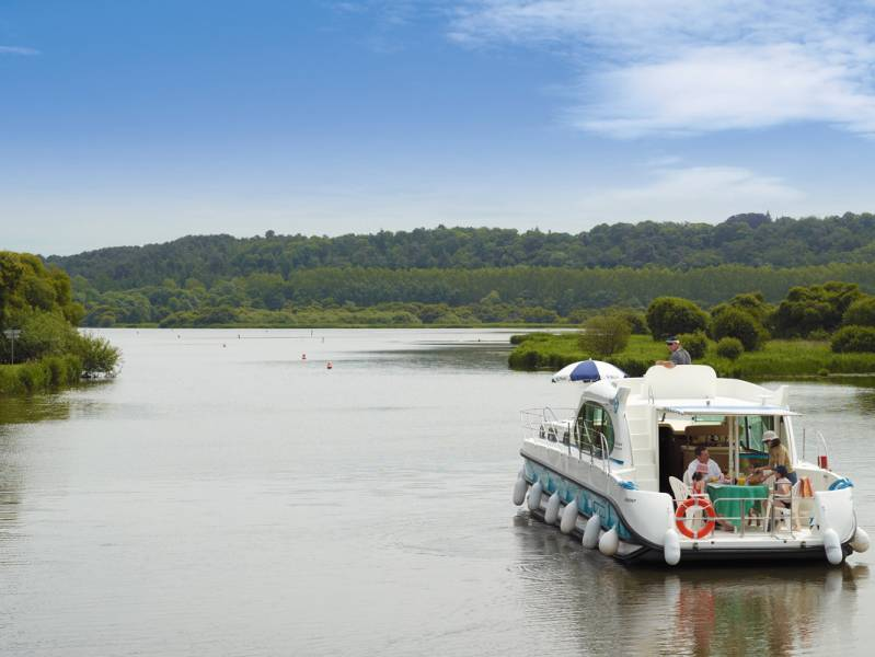 One week : A canal boat holiday in medieval Brittany exploring the canal de Nantes a Brest - from 959 euros