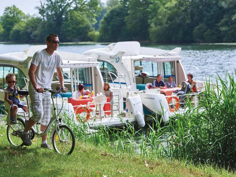 One week : Cruising on the Charente - from 683 euros
