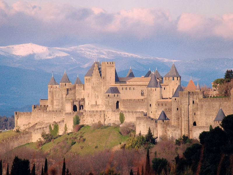 One week : Head to the medieval city : A canal boat to Carcassonne - from 683 euros